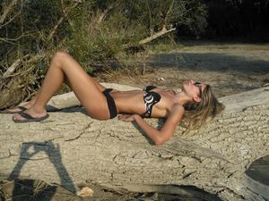 Launa from  is looking for adult webcam chat