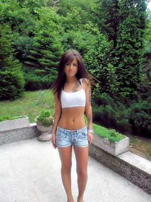 Isaura from Nebraska is looking for adult webcam chat